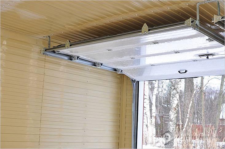 Как утеплить потолок в гараже