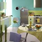 Кухні зі світлим верхом і темним низом (52 фото): комбіновані кухонні гарнітури з бежевим верхом і коричневим або синім низом, інші варіанти